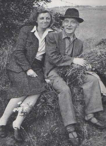 Heartfield and Gertrud Fietz in England