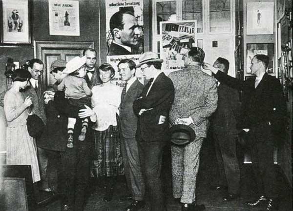 Grosz Hausmann Piscator International Dada Fair 1920 Hannah Hoch, Otto Burchard, Johannes Baader, Wieland and Margarete Herzfelde, Otto Schmalhausen, George Grosz, John Heartfield
