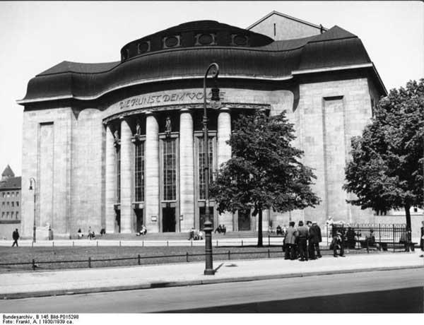 Volksbühne Theater, Berlin, 1930