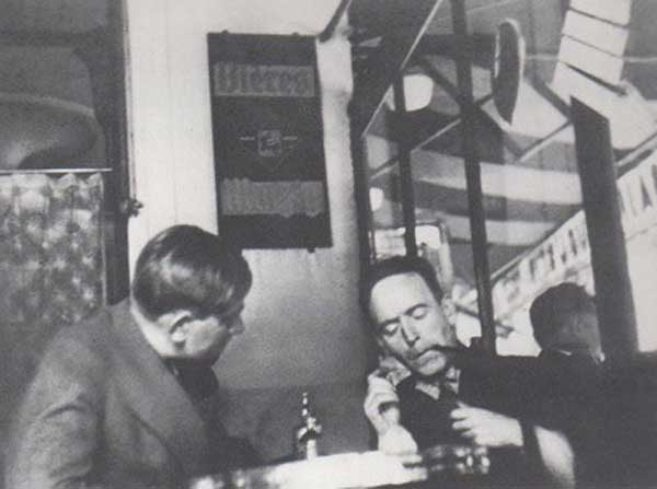 war two artists John Heartfield with Oskar Kokoschka, Paris, 1935