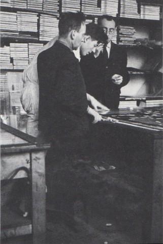 Heartfield Archive Photos 1935 Dadaist Political Artistjohn Heartfield Exhibition