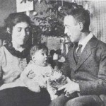 Heartfield with son, Tom, 1920