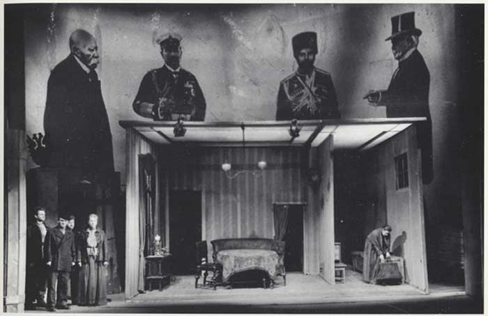 bertolt brecht costumes and theatre set Die Mutter The Mother Deutsches Theater 1951 Berlin Germany